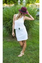 crimson felt fedora Forever 21 hat - white American Eagle dress