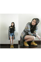 grey knitted Esprit cardigan - construction CAT boots - denim Forever 21 shorts