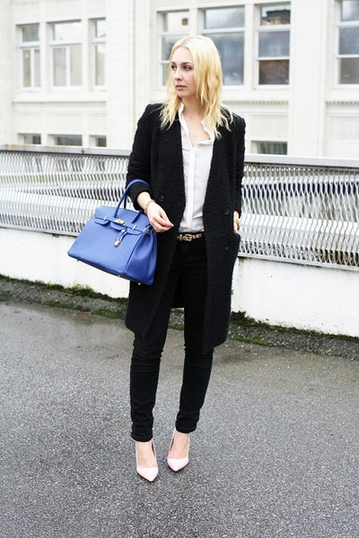 black H&amp;M coat - black Zara jeans - blue bag - light pink shoemint heels