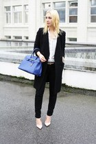 black H&M coat - black Zara jeans - blue bag - light pink shoemint heels