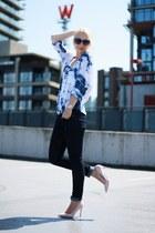blue tie-dye print Splendid top - navy Zara jeans