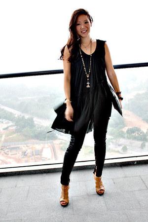 All Saints top - stuart weitzman shoes - Givenchy bag - Zara pants