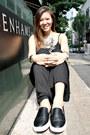 Cc-skye-bag-zara-necklace-sam-edelman-sneakers-h-m-top-zara-pants