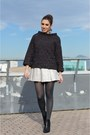 Black-zign-boots-heather-gray-vintage-sweater-black-sparkling-zara-cape