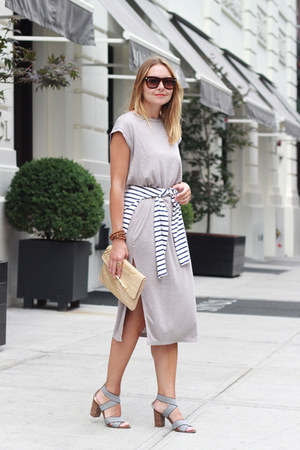 midi Ruche dress - clutch Lilly Pulitzer bag - stripes Old Navy t-shirt