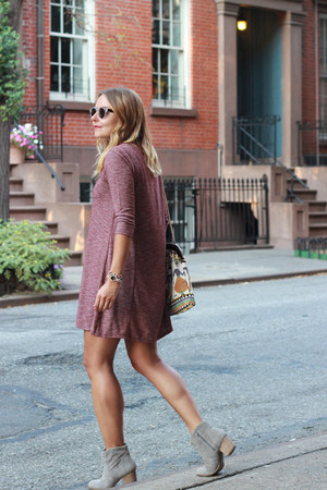 ankle boots Sole Society boots - knit dress - round Illesteva sunglasses