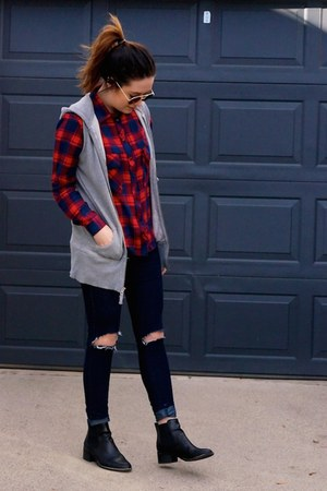 red plaid Sheinside shirt