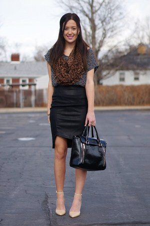 black lulus skirt