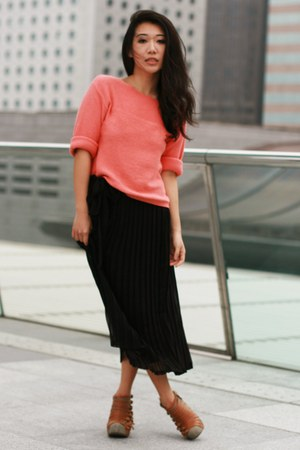 salmon Topshop jumper - black vintage skirt - bronze Jeffrey Campbell wedges