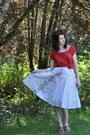 Gap-shirt-vintage-skirt