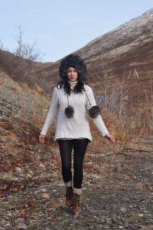 dark gray Gap hat - camel sam edelman boots - off white H&M sweater