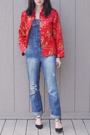 red thrifted coat - blue American Eagle jeans - black vintage heels