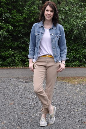 Vintage Thrifted jacket - sperry shoes - StyleMint t-shirt - Gap pants
