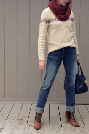 eggshell vintage sweater - bronze sam edelman boots - navy 3x1 jeans