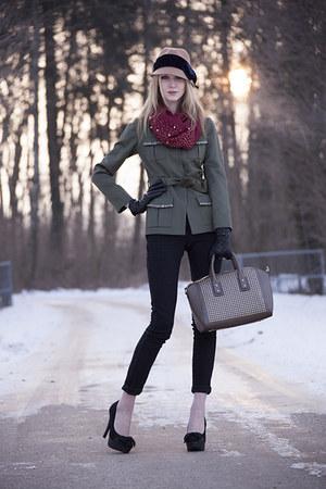 black black H&M jeans - army green kaki Miss Gueule dAnge blazer