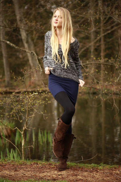 brown La Redoute boots - knitted H&M sweater - black avant-premire tights