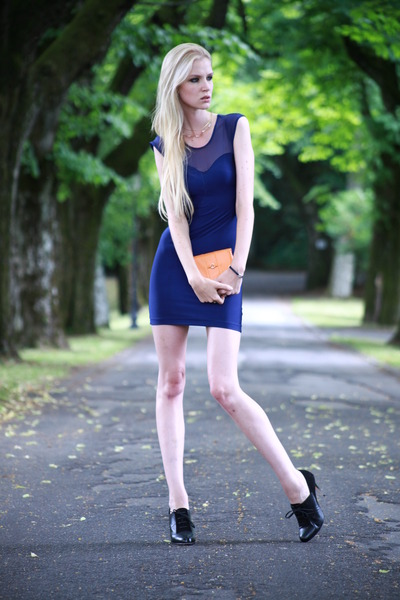 sexy American Apparel dress - clutch unknown bag - richelieu LK Bennett heels