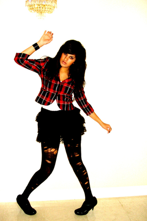 black Forever 21 skirt - black Express tights - white ae t-shirt - red Forever 2