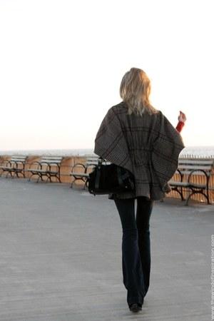 red asos sweater - navy BLANKNYC jeans - black Leo Ventoni bag