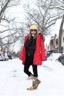 Yellow-burberry-boots-red-snowimage-coat-yellow-neff-hat