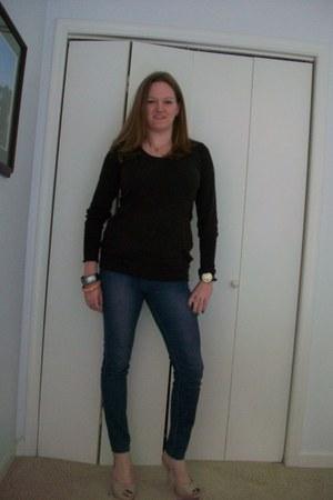 elle jeans - H&M sweater - Forever 21 bracelet