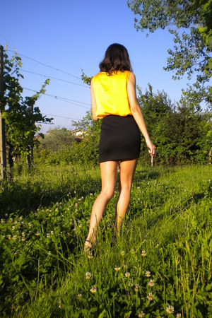 yellow H&M top - black H&M skirt