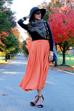 carrot orange Market skirt - brown Haute Heritage scarf - black vintage bag