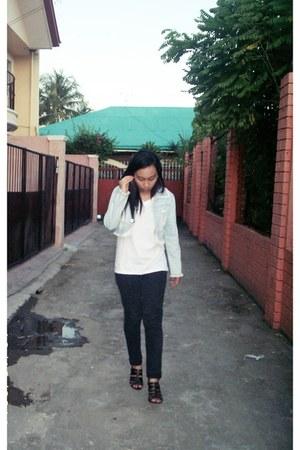 light blue jacket - black jeans - white shirt - heels
