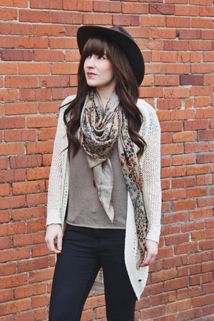 tan silk LoveStitch scarf - heather gray ankle boots crown vintage boots