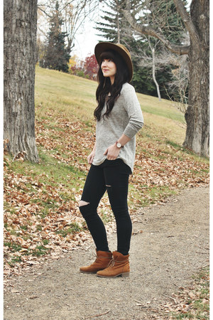 heather gray classic henley community top - lace up boots Hibou boots
