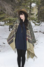 Poncho-lovestitch-cape-antler-coutukitsch-necklace