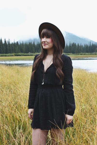 black mini dress volcom dress - brown wide brim Goorin Brothers hat