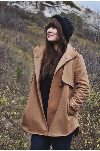 camel wool pink martini coat - blue high waisted Levis jeans