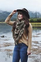 dark khaki blanket scarf wilfred scarf - brown ankle boots Steve Madden boots