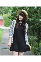 black loose everly dress - tan boater Forever 21 hat