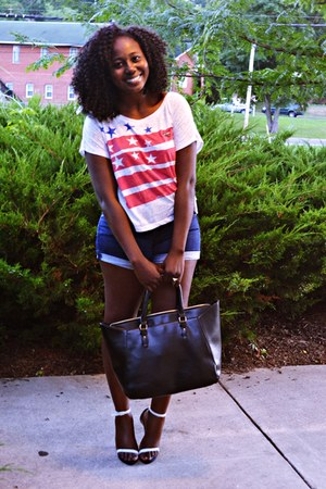 black bag - blue jeans - sandals - patriotic top blouse