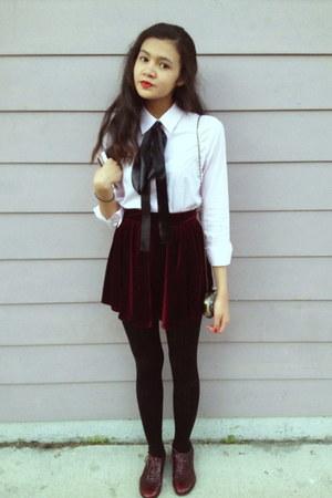 DIY tie - banana republic tights - thrifted purse - crimson thrifted skirt