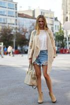 bitly-1zdpkfv Zara boots - bitly-1rvi7bk Guess sweater - bitly-10wvhg2 Prada bag
