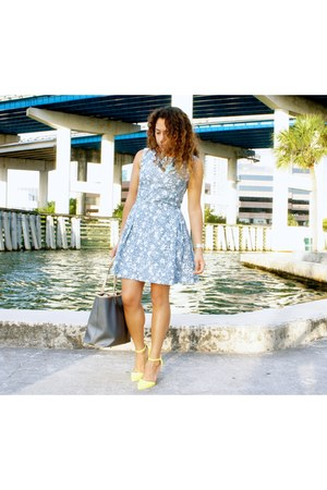 yellow strap heels Shoedazzle heels - sky blue floral print Gap dress
