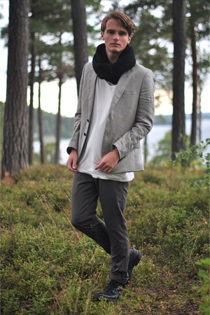 H&amp;M blazer - Din Sko boots - weekday t-shirt - Zara pants