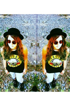 gray gunsnroses pull&bear top - black shoes - silver H&M jeans - black H&M hat