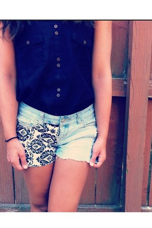 diy pattern shorts - black top
