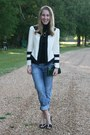 Navy-levis-jeans-cream-camilyn-beth-jacket-black-gap-t-shirt