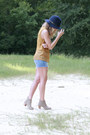 Dv-dolce-vita-boots-gap-hat-levis-shorts-bcbgeneration-blouse