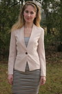 Light-pink-posh-boutique-blazer-heather-gray-bcbgeneration-shirt