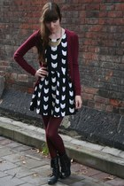 black troopa Steve Madden boots - black cat pattern H&M dress