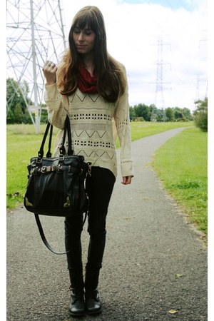 black troopa Steve Madden boots - off white Sheinside sweater