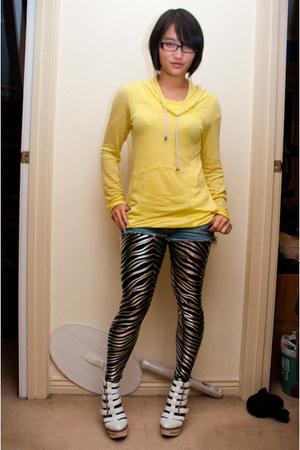 silver zebras Black Milk Clothing leggings - blue hollister shorts - yellow Meta