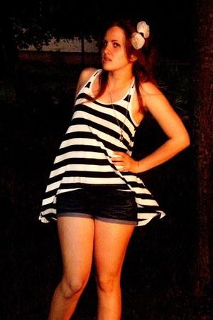 Jennifer shorts - Zara blouse - no brand accessories