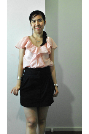 pink top - black skirt - silver accessories